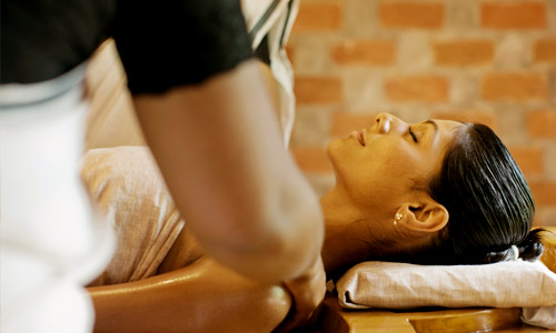 Kairali Ayurveda Training, Abhiyangam Massage